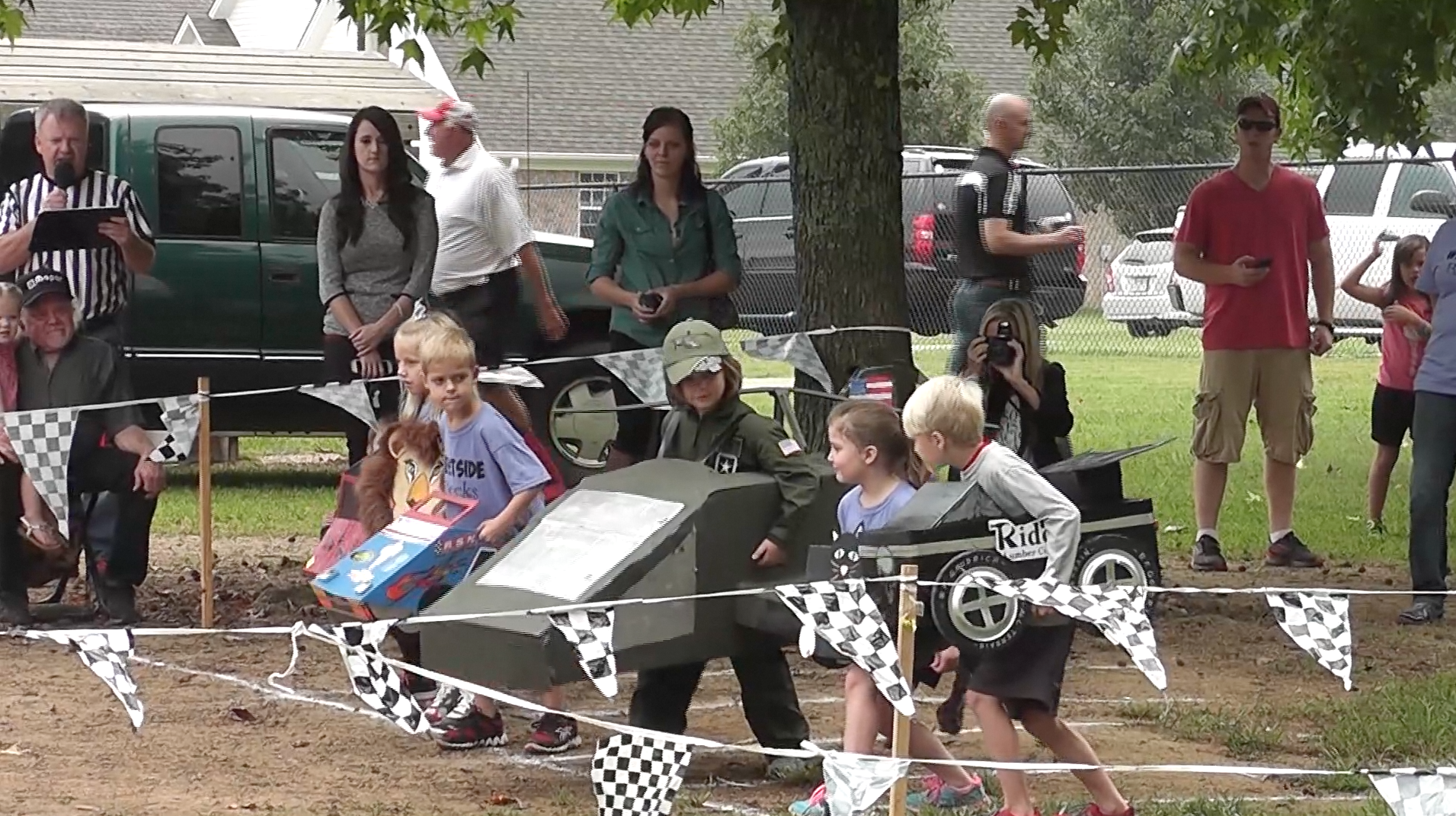 Kindergarteners participate in annual Box Car Derby