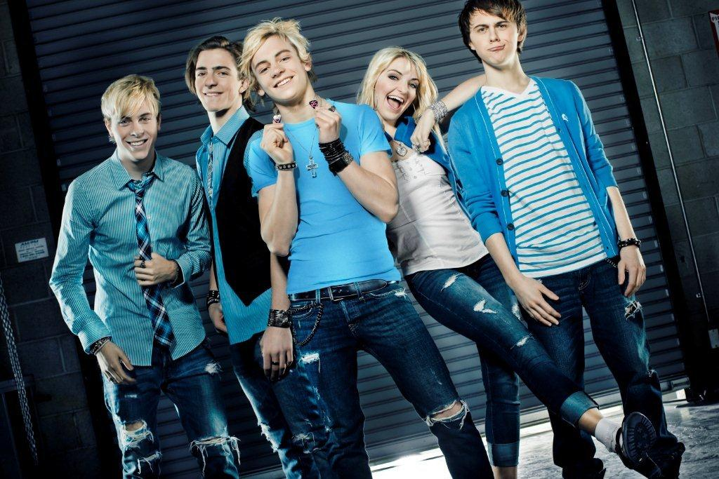 R5 Attracts 'LOUDER'  attention with original sound