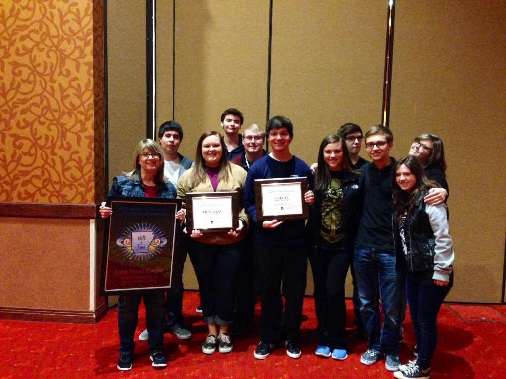 Journalism, yearbook students win big at convention