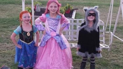 Kids Staying Safe on Halloween