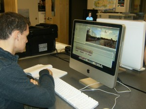 Class shows students fundamentals in journalism