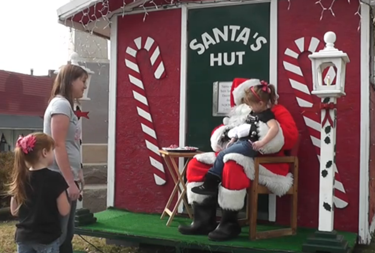 Santa visits courthouse square