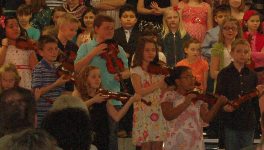 Third graders rock at violin recital